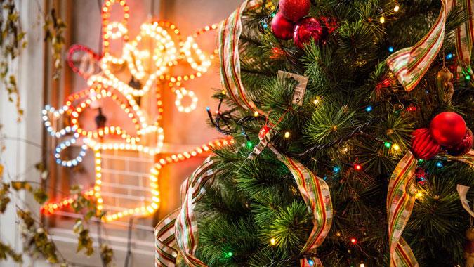 decoracion-de-navidad-para-restaurantes-arbol-de-navidad-la-pajarita-mapelor