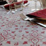 manteles-de-papel-decorados-gama-claudia-burdeos-combinacion-la-pajarita-mapelor