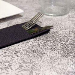 manteles de papel decorados gama tesela negros detalle la pajarita mapelor
