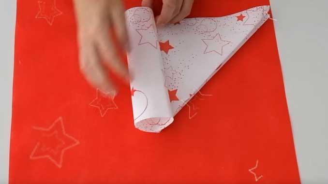 4-formas-de-doblar-servilletas-de-papel-para-navidad-en-forma-de-tubo-gama-stars-haz-un-tubo-la-pajarita-mapelor