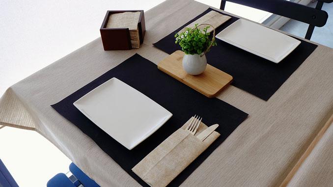 consejos-para-decorar-las-mesas-de-un-restaurante-flores-artificiales-la-pajarita-mapelor