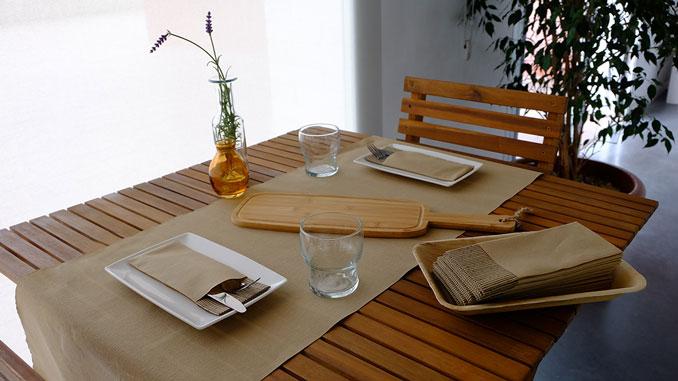 consejos-para-decorar-las-mesas-de-un-restaurante-gogreen-la-pajarita-mapelor