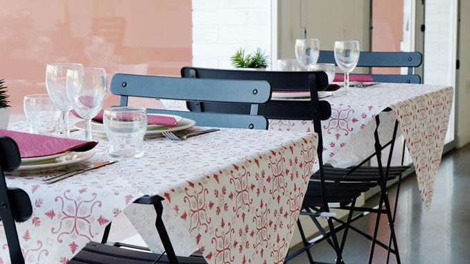 consejos-para-decorar-las-mesas-de-un-restaurante-manteles-claudia-la-pajarita-mapelor