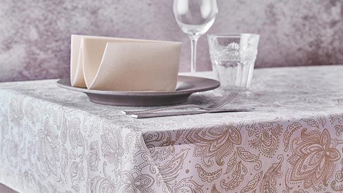 consejos-para-decorar-las-mesas-de-un-restaurante-newtex-marrakech-la-pajarita-mapelor