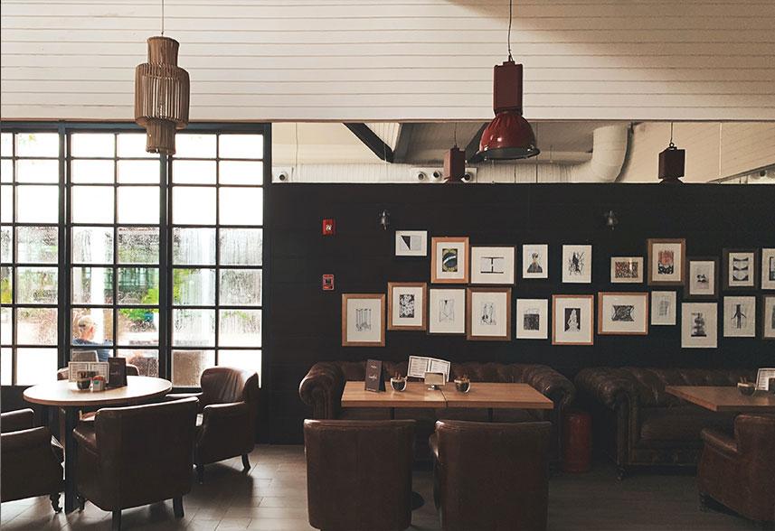 decora-tu-restaurante-con-cuadros-de-artistas-locales-la-pajarita