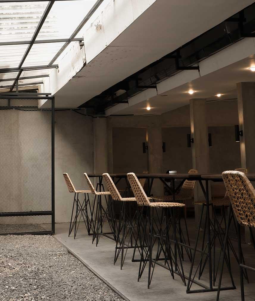 decora-tu-restaurante-con-un-estilo-minimalista-la-pajarita