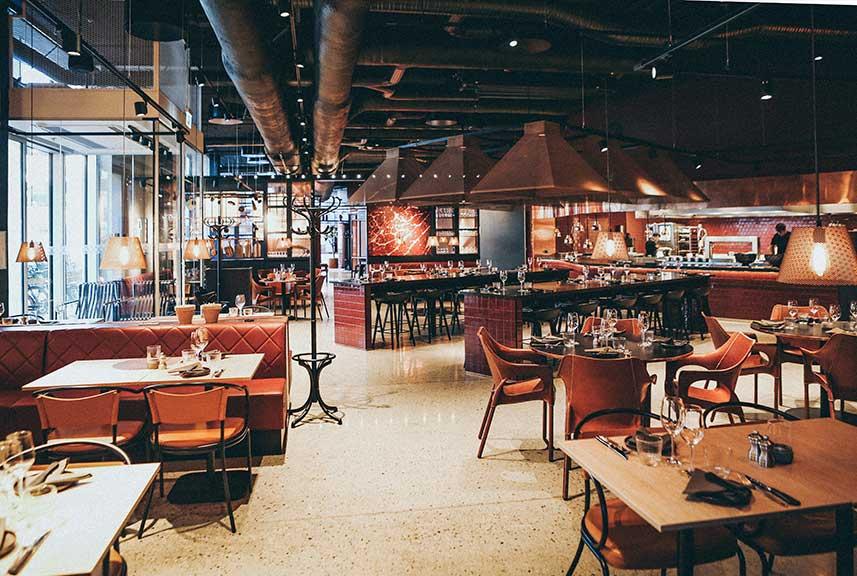 decora-tu-restaurante-para-que-sea-funcional-la-pajarita