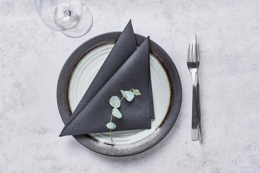 formas-de-doblar-servilletas-de-papel-elegantes-la-pajarita-mapelor