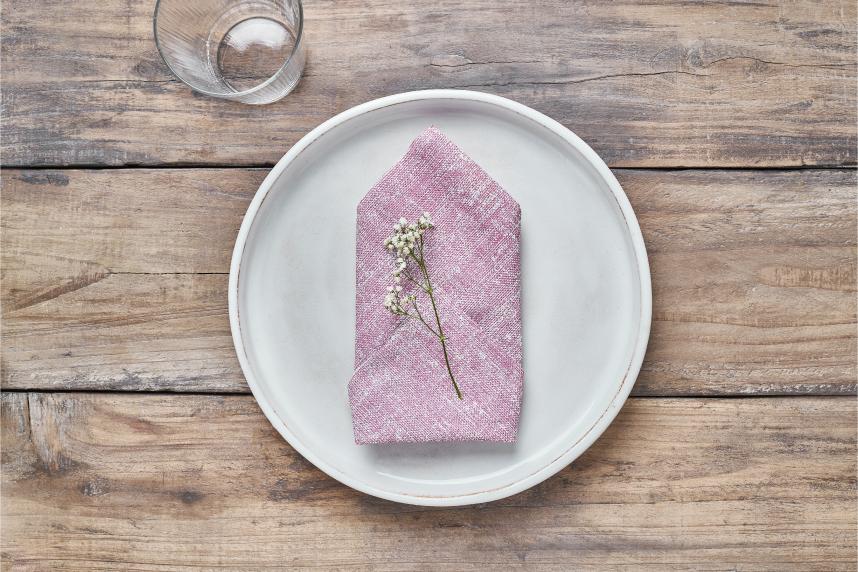 maneras-de-doblar-servilletas-de-papel-en-forma-de-bolsillo-la-pajarita-mapelor