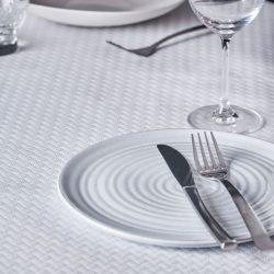 manteles-de-papel-en-cruz-100x100-blancos-la-pajarita-mapelor