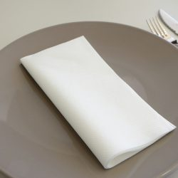 servilletas-airlaid-blancas-40x40-detalle-la-pajarita-mapelor