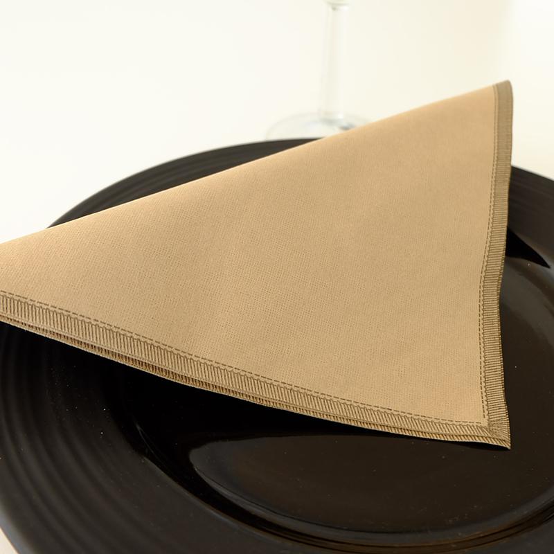 servilletas-airlaid-gogreen-drap-negro-40x40-la-pajarita-mapelor