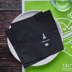 servilletas-de-papel-33x33-negra-la-pajarita-mapelor