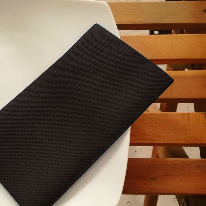 servilletas-de-papel-33x40-punta-punta-color-negro-la-pajarita-mapelor