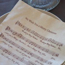 servilletas-de-papel-40x40-con-musica-la-pajarita-mapelor
