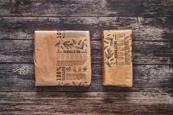 servilletas-ecologicas-recicladas-envueltas-en-papel