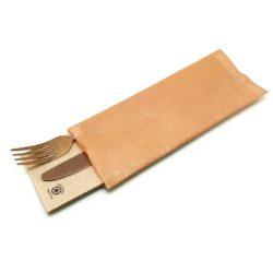 sobres-con-cubiertos-con-servilleta-de-papel-ecologico-kraft-la-pajarita